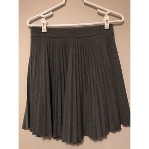Grey pleat skirt